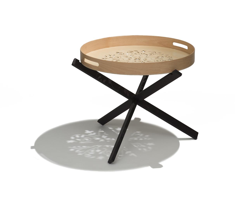Tripodino tavolino con vassoio asportabile for Tavolino vassoio